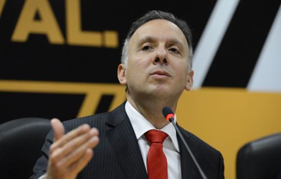 Governo quer projeto da Previdência que está no substitutivo — Meirelles