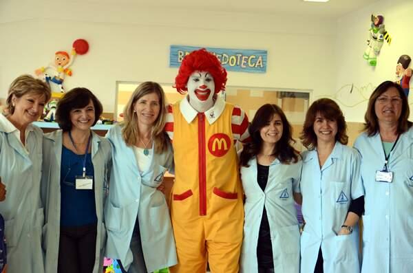 Ronald mcdonald contagia casa ronald mcdonald abc for Casa mcdonald