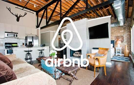 O principal alvo da medida é a plataforma digital Airbnb