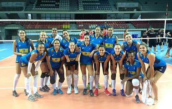 Brasil encerra preparação para Grand Prix com vitória sobre Turquia